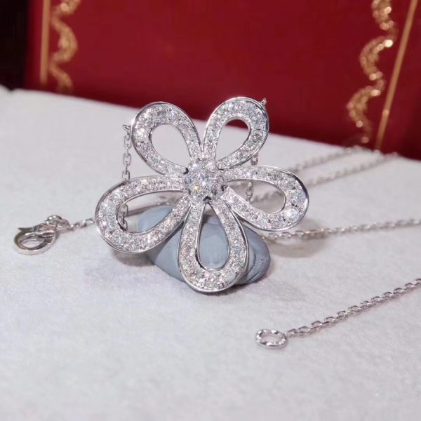 Van Cleef & Arpels Flowerlace pendant. White gold, diamonds