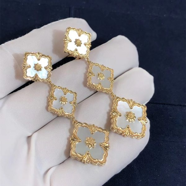 Buccellati Opera Earrings with White mother of pearls