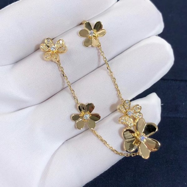Van Cleef & Arpels Frivole bracelet, 5 flowers, yellow gold, round diamonds; diamond quality DEF, IF to VVS.