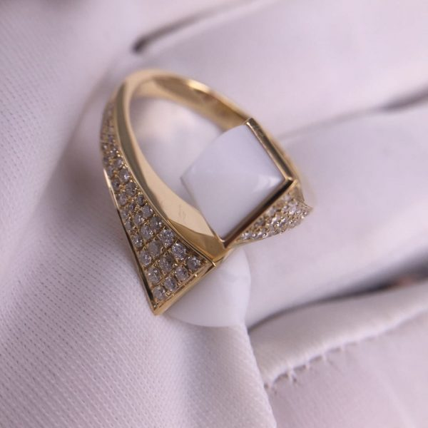 Real 18 Karat Gold Maril New York Cleo Diamond Ring with White Agate